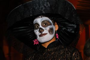 Woman dressed as La Calavera de la Catrina, for Day of the Dead parade, San Miguel de Allende, Mexico.