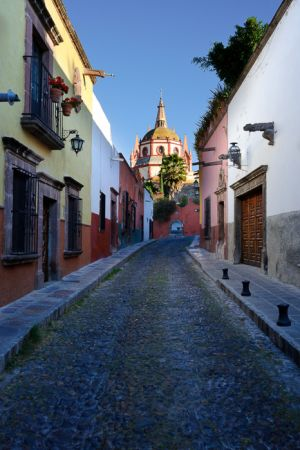 Aldama Street, and the Parroquia church in the distance, San Miguel del Allende, Mexico.