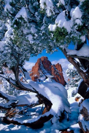 c29-Garden of Gods snow arch.jpg